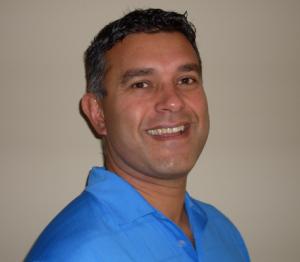 Dr-Julian-Mendes-scoliosis-expert